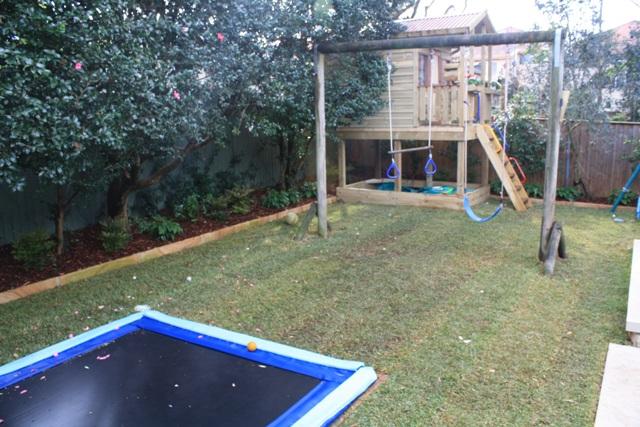 Country style garden 011a