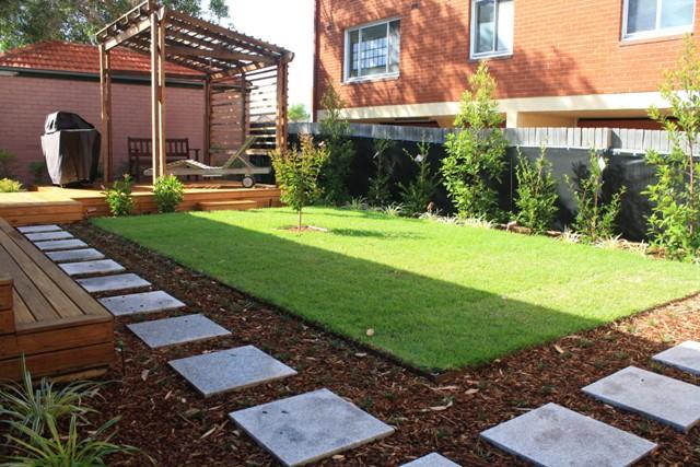 family garden 001a