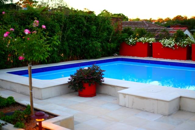 Pool Garden Makeover 011a