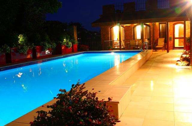 Pool Garden Makeover 020a