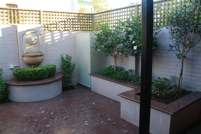 Terrace courtyard  the Smalls at Balmain 047